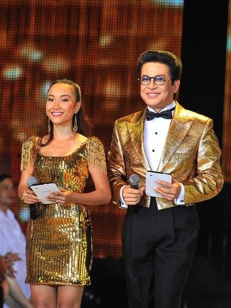 Hai MC của Bước nhảy hoàn vũ 2011 - Tin sao Viet - Tin tuc sao Viet - Scandal sao Viet - Tin tuc cua Sao - Tin cua Sao