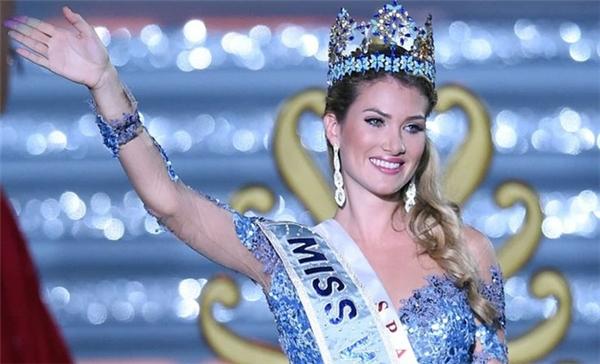 Mireia Lalaguna, đăng quang Hoa hậu Thế giới trong đêm chung kết hôm 19/12 tại Tam Á, Trung Quốc và trở thành người Tây Ban Nha đầu tiên giành được ngôi vị này. Tuy nhiên, khi trở về nước, cô lại không được công chúng chào đón như những hoa hậu khác. TheoMissosology, Tây Ban Nha là quốc gia không coi trọng các cuộc thi sắc đẹp. Họ cho rằng các đấu trường nhan sắc như Miss World đang làm mất giá trị người phụ nữ.