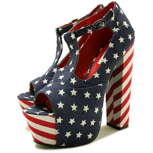 Đế của loại giày này có thể là gót cao, gót thô và cả gót bánh mì nữa.(Ảnh: Internet)