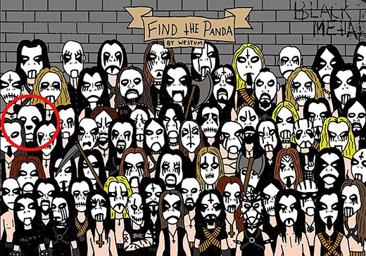 """Những fan nhạc rock trong hình đều vẽ mặt đen trắng rất cá tínhvà chú gấu trúc được... """"nhét vào"""" giữa bọn họ. (Ảnh: Internet)"""