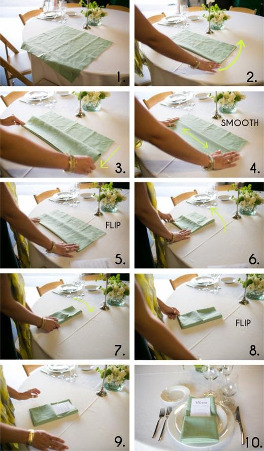 Cách gấp khăn ăn đơn giản.(Ảnh: Buzzfeed)