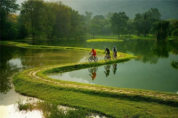 Con đường đi xe đạp tuyệt đẹp ở ngoại ô Rio de Janeiro, Brazil.