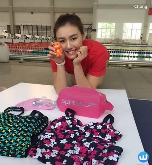 Thông thường các nữ vận động viên bơi lội khác đều sở hữu vẻ đẹp vạm vỡ và phát đi tất cả sự mềm mại và uyển chuyển của nữ giới nhưng ở Liu Xiang thì không vậy.Nữ kình ngư xinh đẹpnày vẫn sở hữu những đường cong tuyệt vời một thân hình đẹp từng centimet.