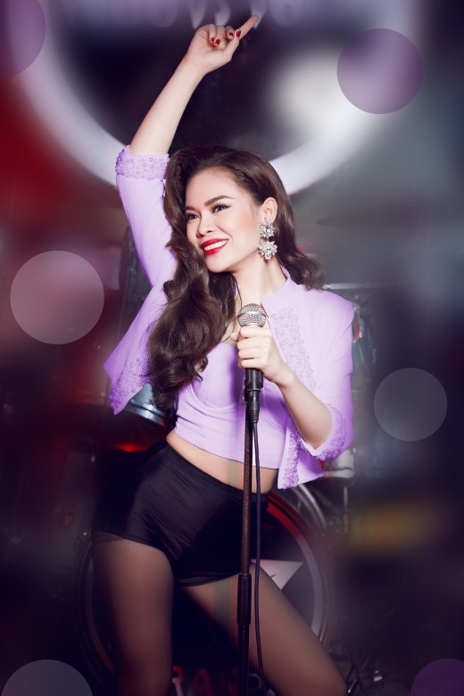 Giang Hồng Ngọc hứa hẹn sẽ làm nóng sân khấu tại Hà Nội với những ca khúc mới nhất của mình. - Tin sao Viet - Tin tuc sao Viet - Scandal sao Viet - Tin tuc cua Sao - Tin cua Sao