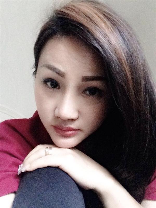 Dù đã có hai con và một cháu ngoại, chị Hương vẫn rất trẻ trung. (Ảnh: Internet)