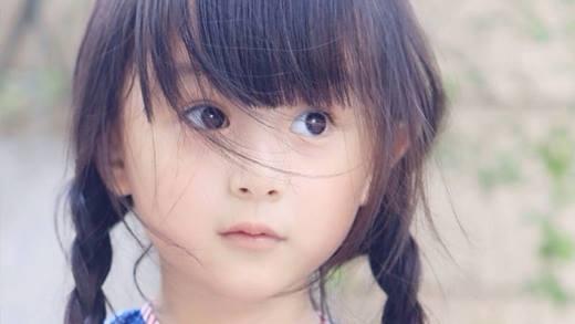 Sau khi bom tấn Mị Nguyệt Truyện lên sóng, nhân vật Mị Nguyệt lúc nhỏ của cô bé Lưu Sở Điềm đã nổi tiếng khắp châu Á chỉ sau 1 đêm.