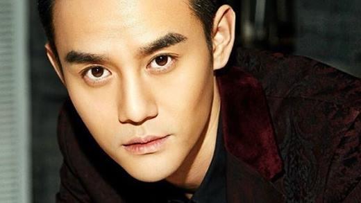 Sau khi 2 bộ phim Kẻ Ngụy Trang và Lang Gia Bảng lên sóng, Vương Khải trở thành cái tên được nhắc đến nhiều nhất trên mạng. Từ diễn viên hạng 2, anh nhanh chóng bước chân vào hàng ngũ sao hạng A với hàng chục lời mời đóng phim, quay quảng cáo lớn.