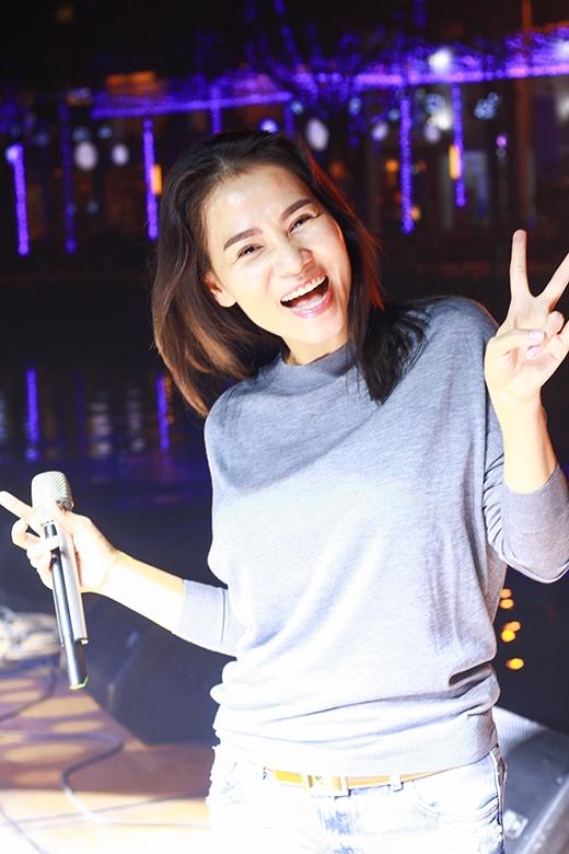Nụ cười tươi hơn ánhnắng mai của giám khảo Việt nam Idol 2015. - Tin sao Viet - Tin tuc sao Viet - Scandal sao Viet - Tin tuc cua Sao - Tin cua Sao