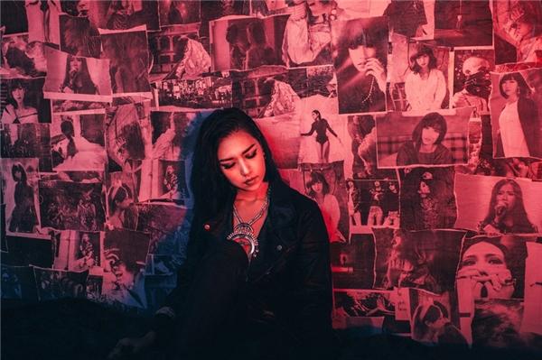 Cô cũng hứa hẹn sẽmang tới cho khán giả một diện mạo Min khác lạ, mới mẻqua những sản phẩm âm nhạc ấn tượng, đặc sắc, được đầu tư công phu, bài bản trong năm 2016. - Tin sao Viet - Tin tuc sao Viet - Scandal sao Viet - Tin tuc cua Sao - Tin cua Sao