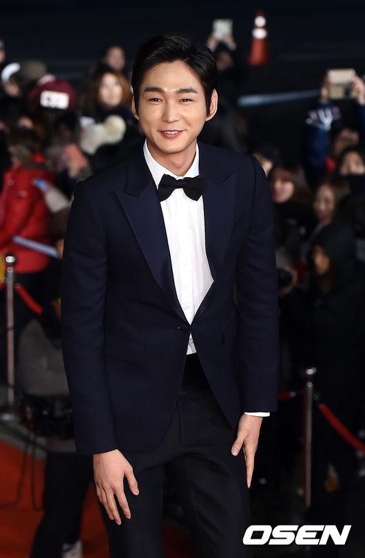 Lee Won Geun, chàng trai với nụ cười tỏa nắng mai.