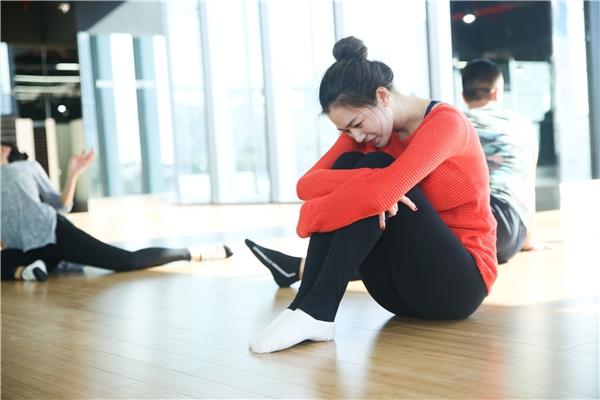 Mỗi ngày nữ diễn viên xinh đẹp đều dành ra hơn 8 tiếng để tập nhảy. - Tin sao Viet - Tin tuc sao Viet - Scandal sao Viet - Tin tuc cua Sao - Tin cua Sao