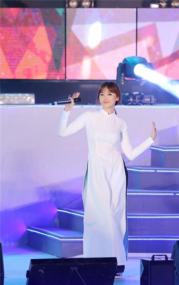 Nữ ca sĩ vô cùng hạnh phúc khi được khán giả yêu thương... - Tin sao Viet - Tin tuc sao Viet - Scandal sao Viet - Tin tuc cua Sao - Tin cua Sao