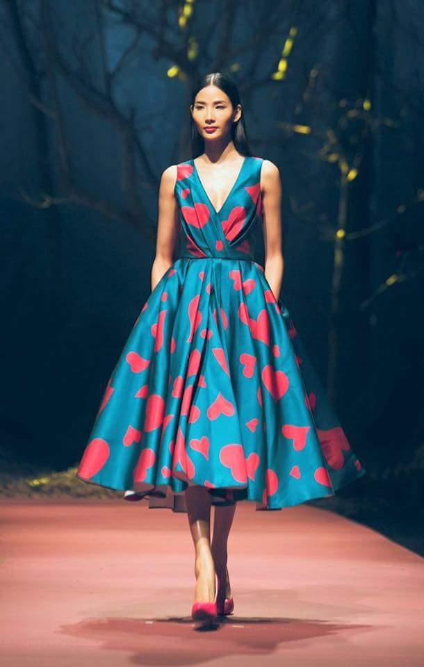 Hoàng Thùy về nước vào trung tuần tháng 12 vừa qua. Cô nhanh chóng bắt tay vào công việc khi tham gia show diễn Thu - Đông 2015 của nhà thiết kế Đỗ Mạnh Cường.