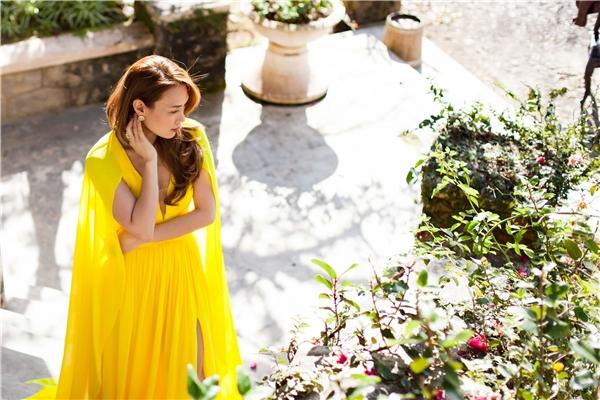 Ngẩn ngơ vẻ đẹp tựa nữ thần của Mỹ Tâm dưới nắng sớm - Tin sao Viet - Tin tuc sao Viet - Scandal sao Viet - Tin tuc cua Sao - Tin cua Sao