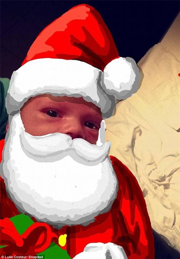 Ai mà cưỡng được vẻ đáng yêu của ông già Noel nhí này cơ chứ? (Ảnh: Internet)