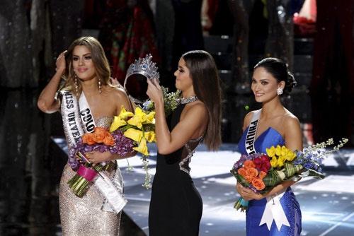 Phạm Hương khẳng định, hoa hậu Philippines hoàn toàn xứng đáng với danh hiệu hoa hậu Hoàn vũ 2015 - Tin sao Viet - Tin tuc sao Viet - Scandal sao Viet - Tin tuc cua Sao - Tin cua Sao