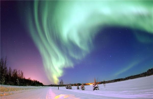 Cực quang chỉ xảy ra hai vùng cực.