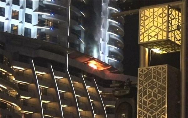 Ngọn lửa được cho là bắt nguồn từ tầng 20... (Ảnh: Internet)