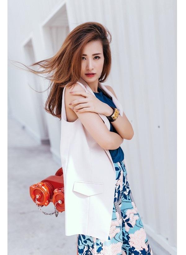 Đông Nhi và một năm đầy biến hóa với thời trang