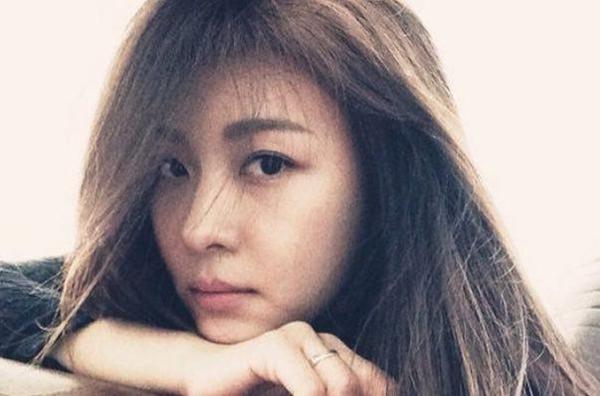 Thông tin người cha đáng kính của Ha Ji Won mất khiến người hâm mộvô cùng bất ngờ và gửi lời chia buồn sâu sắc đến gia đình của Ha Ji Won..(Ảnh: Internet)