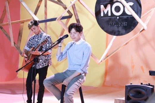Người ấy được xem là ca khúc giúp cho cái tênTrịnh Thăng Bình được ghi danh trong làng nhạc Việt