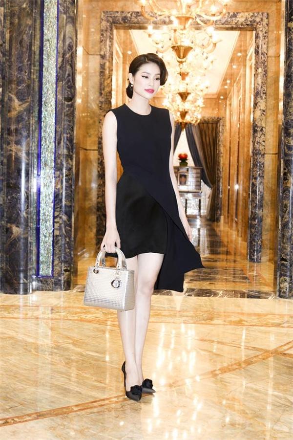 Những món hàng hiệu hiếm hoi của Hoa hậu Phạm Hương