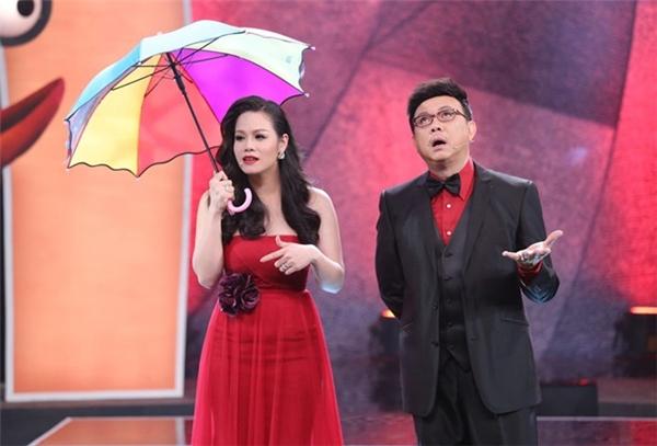 Tập 4 Hội ngộ danh hài diễn ra tối 3/1 trên HTV7 dưới sự dẫn dắt của Chí Tài và Nhật Kim Anh. - Tin sao Viet - Tin tuc sao Viet - Scandal sao Viet - Tin tuc cua Sao - Tin cua Sao