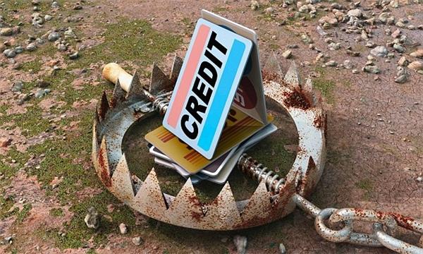Giấu tiệt thẻ tín dụng đi, cố gắng quên sự có mặt của nó và chỉ dùng trong trường hợp cần kíp nhất.(Ảnh: Internet)