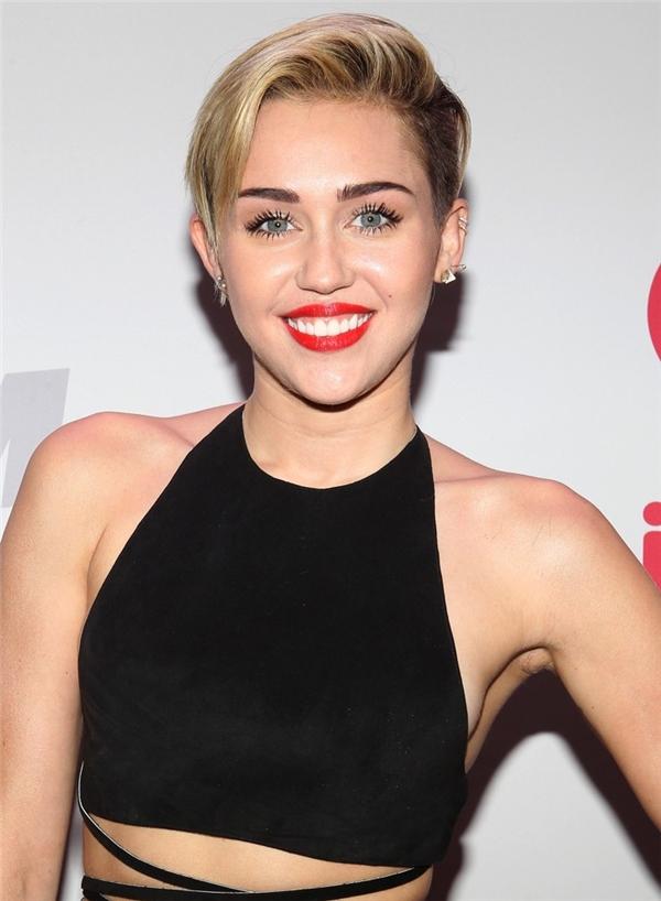 Miley và mái tóc ngắn đầy cá tính.(Ảnh: Internet)