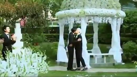 Những màn cầu hôn lãng mạn như ngôn tình của các cặp đôi đồng tính