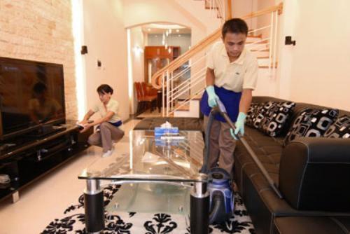 Việc dọn nhà để đón Tết cũng rất quan trọng trong phong tục tập quán của người Việt. (Ảnh Internet)