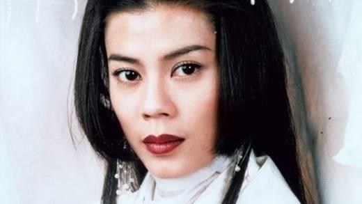 Lương Bội Linh nổi tiếng với vai diễn Nhậm Doanh Doanh trong phiên bản Tiếu Ngạo Giang Hồ do TVB sản xuất năm 1996. Vào thời điểm hoàng kim của các bộ phim Kim Dung đấy, sự nghiệp của Lương Bội Linh bắt đầu đi lên với các bộ phim thành công khác như Đánh Lửa Tình Yêu hay Kim Ngọc Mãn Đường.Tuy nhiên niềm vui này chẳng kéo dài được bao lâu thì sự nghiệp của bà bắt đầu xuống dốc thảm hại. Năm 2006, Lương Bội Linh bị tai nạn nặng trong chuyến đi công tác ở Úc, sau chuyện này, bà gần như rút lui hoàn toàn khỏi ngành giải trí.Mãi đến năm 2009, khán giả mới nhớ đến bà sau cái chết của Micheal Jackson. Lúc này mọi người mới phát hiện Lương Bội Linh đang cô độc ở một giáo hội cơ đốc tại Hong Kong.