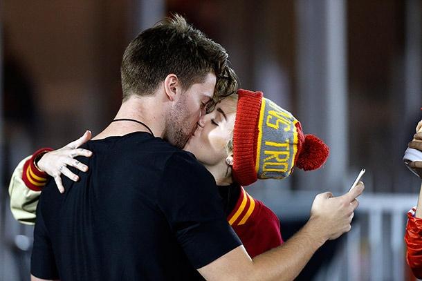 Miley từng có khoảng thời gian hẹn hòPatrick Schwarzenegger sau khi chia tay Liam.