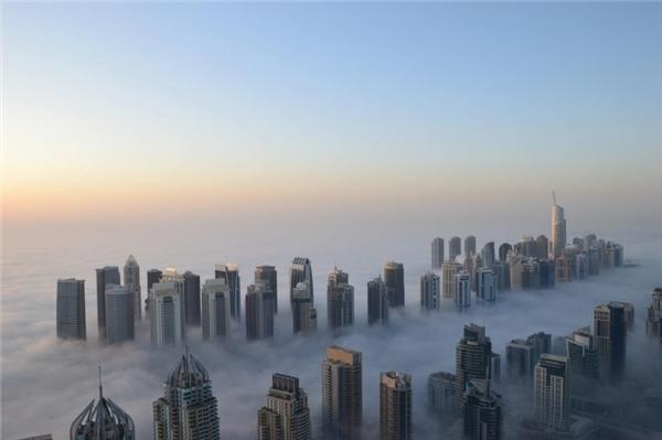 Những tòa nhà đâm xuyên tầng mây ở Dubai ngày nay. (Ảnh: Internet)