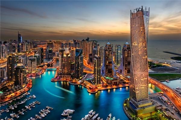 Quang cảnh ở cùng một địa điểm của Dubai xưa và nay. (Ảnh: Internet)