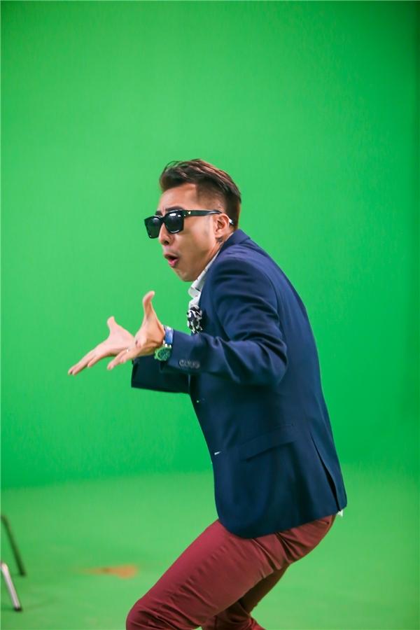 Trong MV, Only C thể hiện điệu nhảy Nupakachi siêu dễ thương hứa hẹn sẽ gây bão trong thời gian tới. - Tin sao Viet - Tin tuc sao Viet - Scandal sao Viet - Tin tuc cua Sao - Tin cua Sao