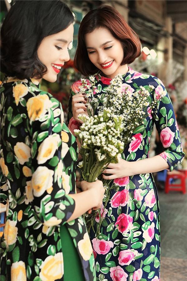 Trúc Diễm và Trần Hiền rạng rỡ trong tà áo dài đón xuân mới.