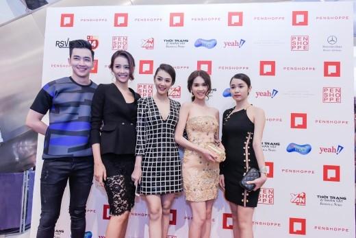 Nhiều gương mặt nổi tiếng của showbiz Việt hào hứng tề tựu tại sự kiện Penshoppe Fashion show cuối tháng 11 vừa qua.