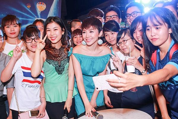 Trong năm 2016, Tóc Tiên sẽ tiếp tục đầu tư và ra mắt những MV mới được đầu tư chỉn chu, kĩ lưỡng. Nữ ca sĩ cho biết nếu có duyên sẽ tiếp tục quay trở lại với lĩnh vực điện ảnh.