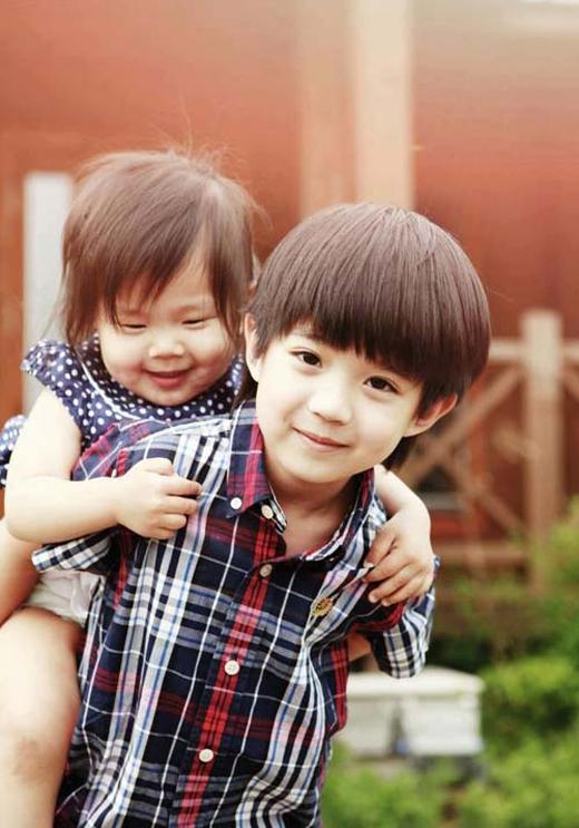 Cả hai anh em xinh như thiên thần (Ảnh: Internet)