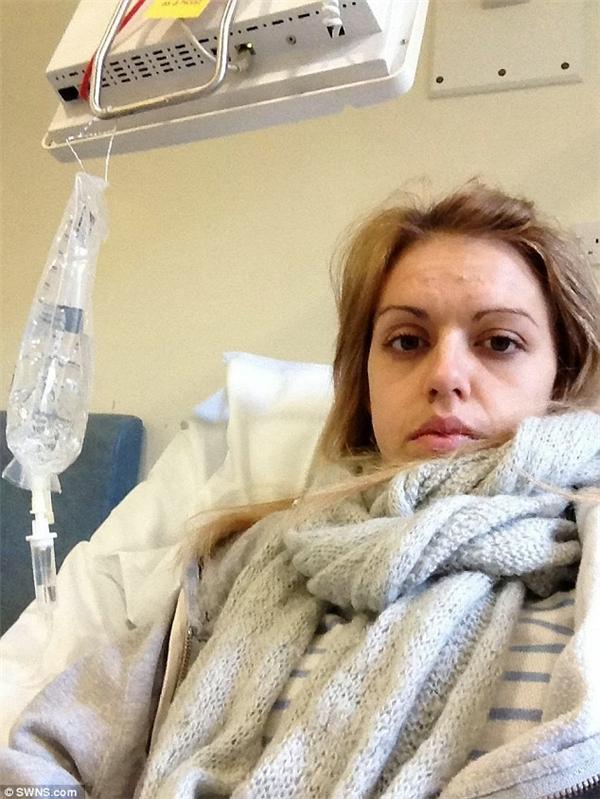 Ảnh được chụp khi Emma đang được điều trị tại bệnh viện. (Ảnh: Internet)
