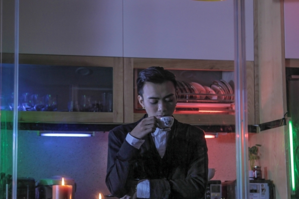 Vui đi em cũng là ca khúc nằm trong sitcom âm nhạc mang tên Beyond the top mà Soobin Hoàng Sơn đóng vai chính. - Tin sao Viet - Tin tuc sao Viet - Scandal sao Viet - Tin tuc cua Sao - Tin cua Sao