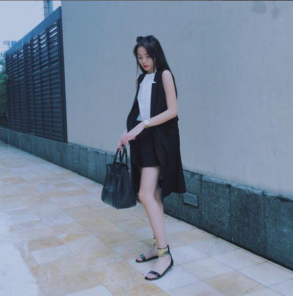 Kỳ Duyên cũng thường đón đầu và tích cực lăng xê những xu hướng, kiểu dáng trang phục mới như: shirt dress (váy lấy phom từ áo sơ mi), áo sơ mi dáng dài xẻ tà, áo blazer.