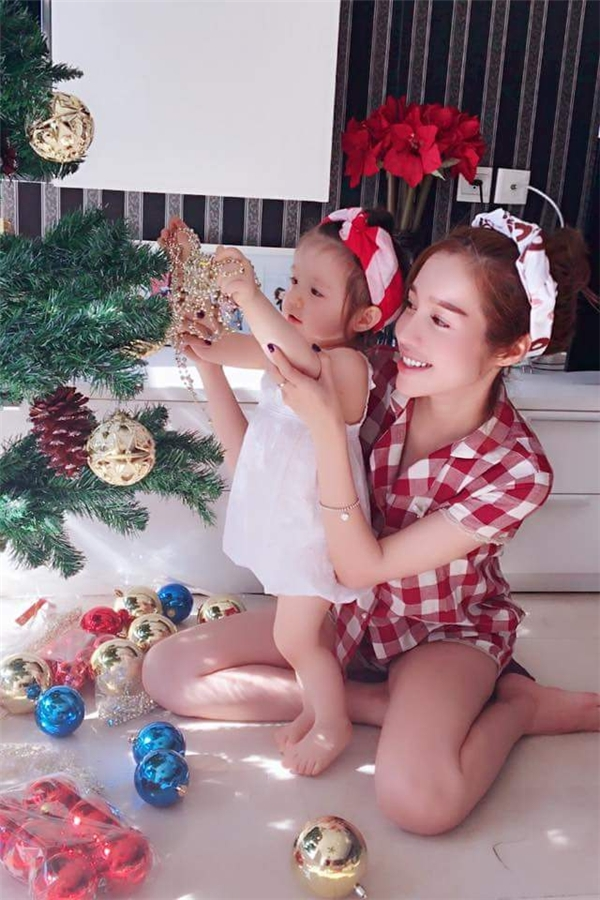 Elly Trần và bé Cadie - Tin sao Viet - Tin tuc sao Viet - Scandal sao Viet - Tin tuc cua Sao - Tin cua Sao