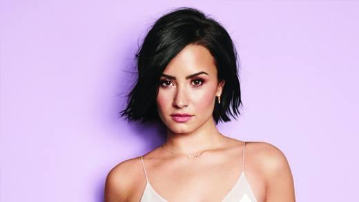 Sở hữu một giọng ca đầy nội lực, Demi Lovato được mệnh danh là Christina Argulera của thế hệ mới.