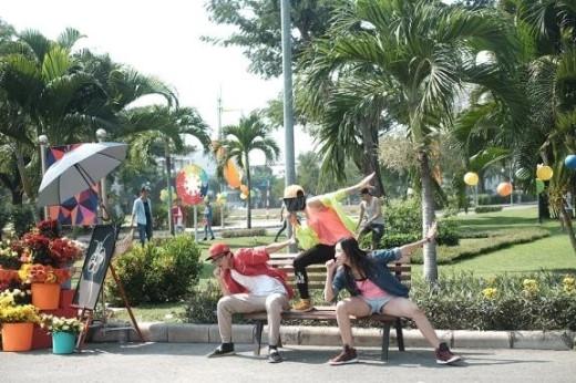 """Một số hình ảnh hậu trường của MV Sẻ chia khoảnh khắc. Min không ngại """"cháy hết mình"""" cùng các vũ công bất chấp trời nắng gắt! - Tin sao Viet - Tin tuc sao Viet - Scandal sao Viet - Tin tuc cua Sao - Tin cua Sao"""