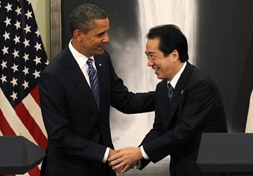 Cái bắt tay của các chính khách(Ảnh: Internet)