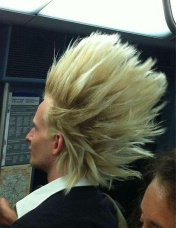 Anh chàng này có vẻ là fan của bộ truyện nổi tiếng Songoku. (Ảnh: Internet)