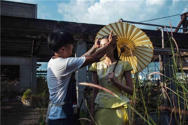 Hoa hậu Thu Thảo ấn tượng với vẻ đẹp ma mị