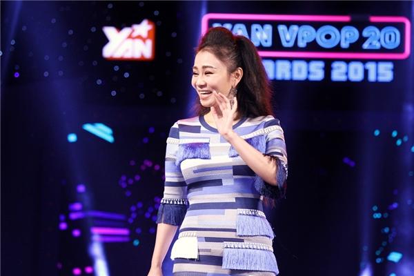 Thu Minh tươi cười rạng rỡ trên sân khấu YAN Vpop 20 Awards 2015. - Tin sao Viet - Tin tuc sao Viet - Scandal sao Viet - Tin tuc cua Sao - Tin cua Sao